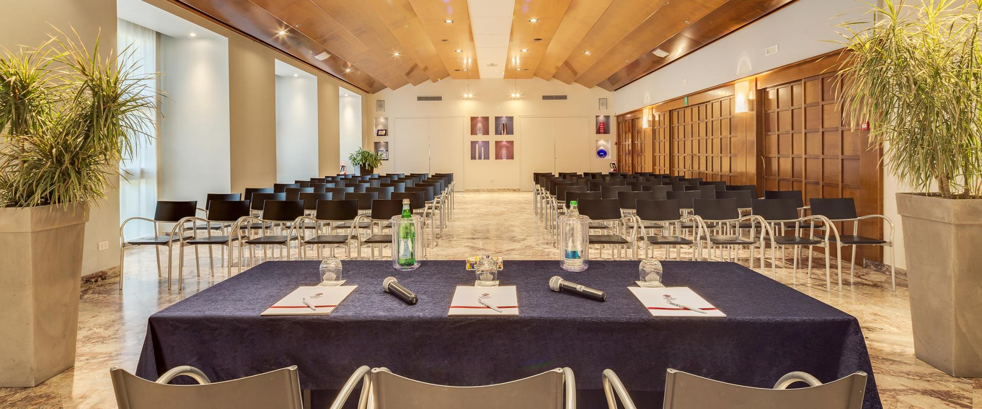 Plan your meeting near Venice with Best Western Hotel Bologna, 4-star hotel.