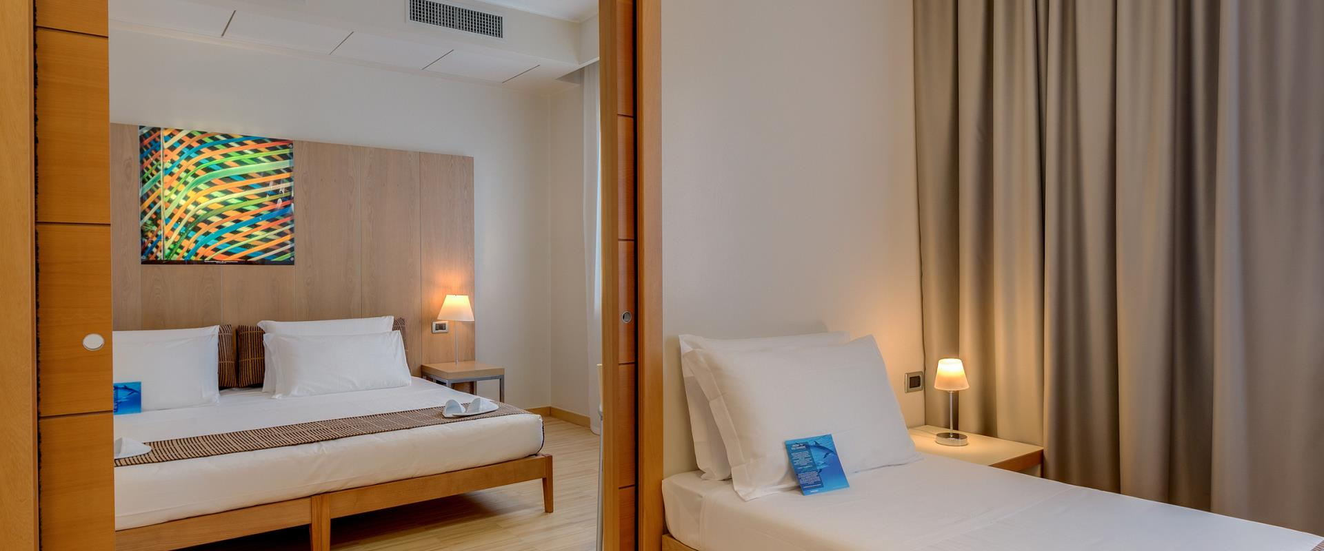 If you are travelling with your family or in a group, choose our spacious Family rooms and visit Venice in an easy way with BW Plus 4 star Hotel Bologna.