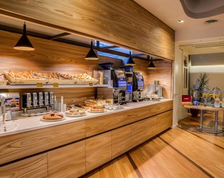 Try the delicious buffet breakfast at the Best Western Plus Hotel Bologna, 4 star hotel near Venice!