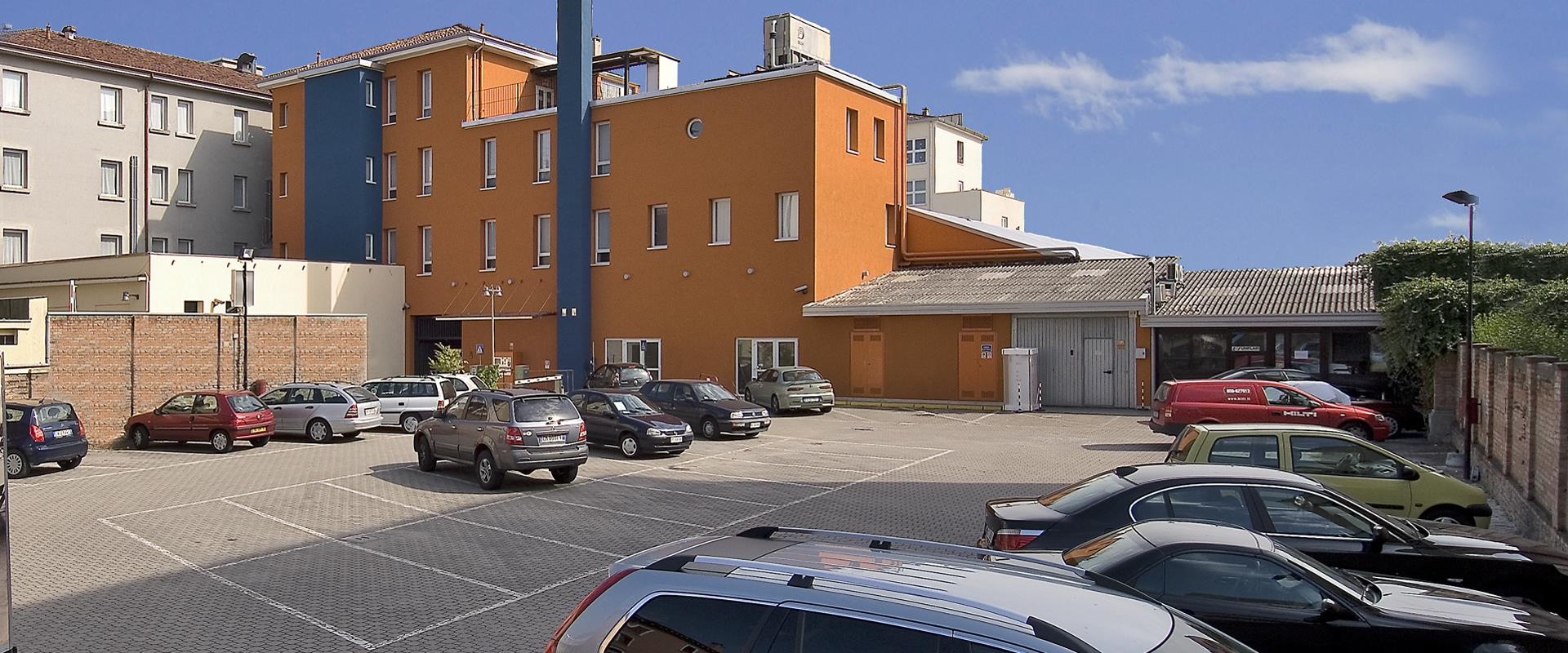 Forget the car and move to Venice in freedom! Parking at the Best Western Hotel Bologna in Mestre is under video surveillance.