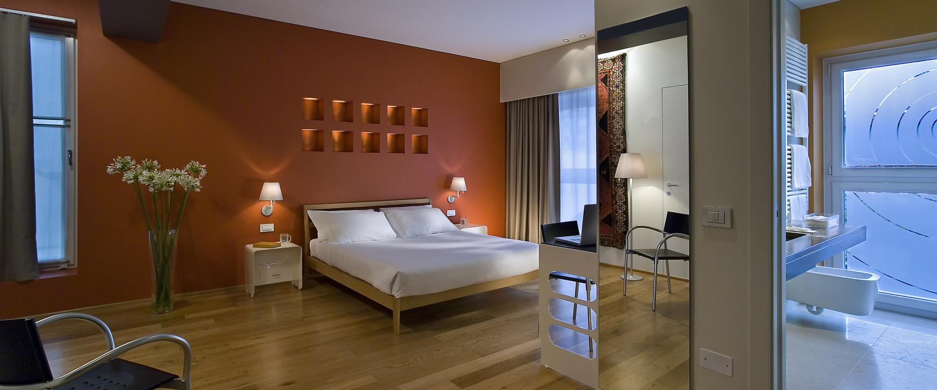 Discover the comfort of the rooms of BW Plus Hotel Bologna,4-star hotel near Venice. Choose the room type that suits you best!
