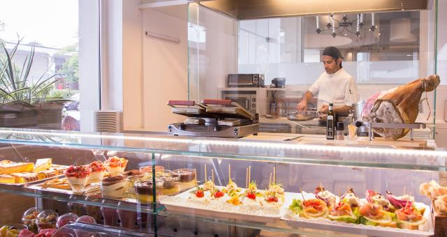 Try the tasty Fast Lunch in the restaurant of the Best Western Hotel Bologna, 4 star hotel near Venice!