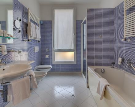 Best Western Plus triple room bath 4 star Hotel Bologna in Mestre near Venice